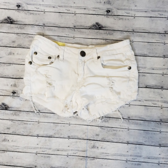 Machine Pants - Machine Nouvelle Mode White Distressed Shorts